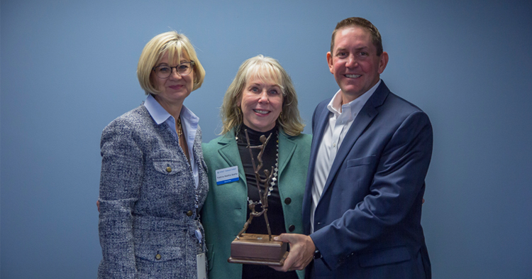 FTF board chair receives awaard